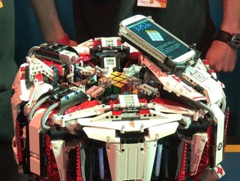 CubeStormer 3 robot